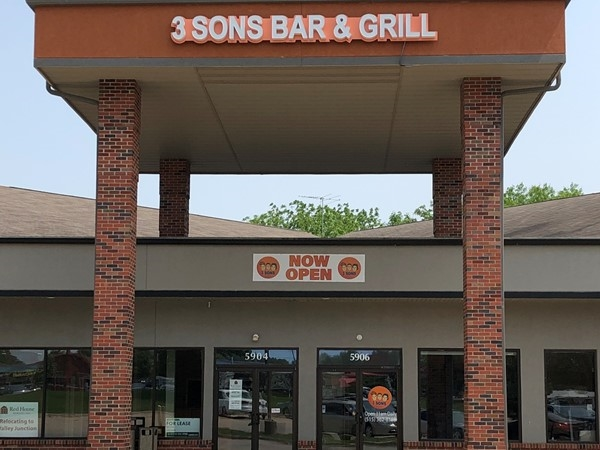 3 Sons Bar & Grill